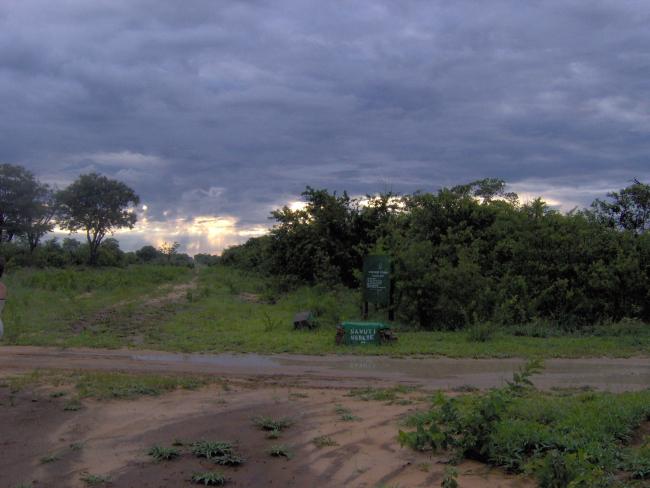Road between Savuti and Chobe