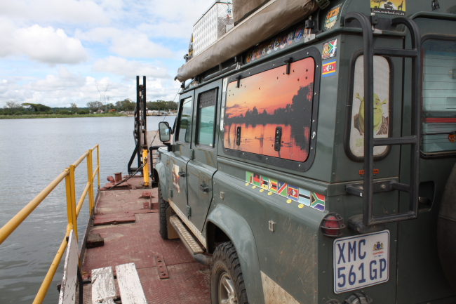 Kazungula Ferry – Border Crossing Botswana/Zambia (4 Jan 2017)
