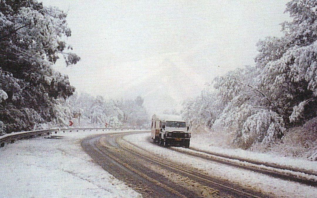 A snowy Oliviershoek pass (1996)